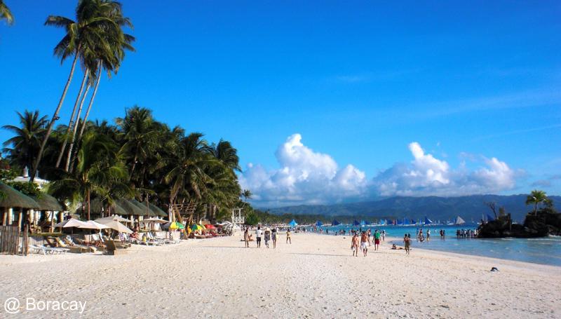 Der White Beach auf Boracay, Philippinen