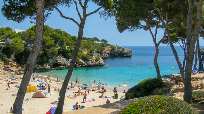 Cala Esmeralda, Badestrand auf Mallorca