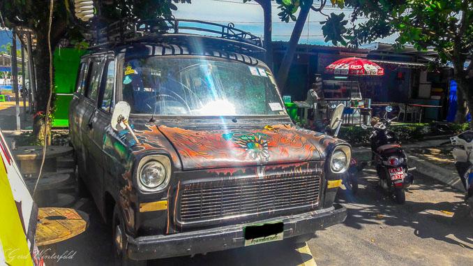 Alter Ford Transit am Noppharat Thara Beach