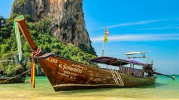 Longtail Boot am Railay Beach, Krabi Thailand