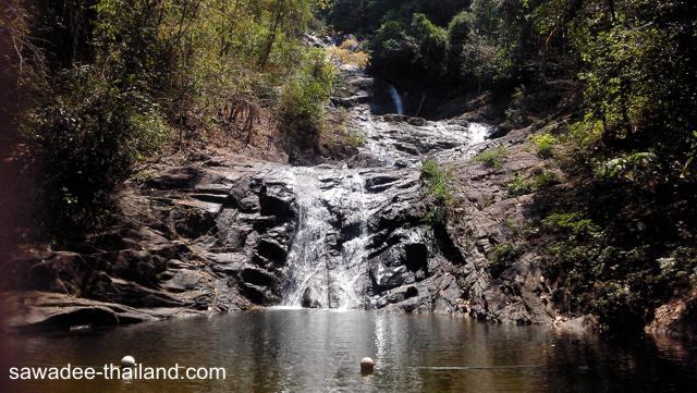 Der Lumpee Wasserfall bei Khao Lak