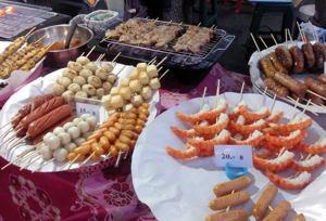 Spezialitäten auf dem Krabi Night Market