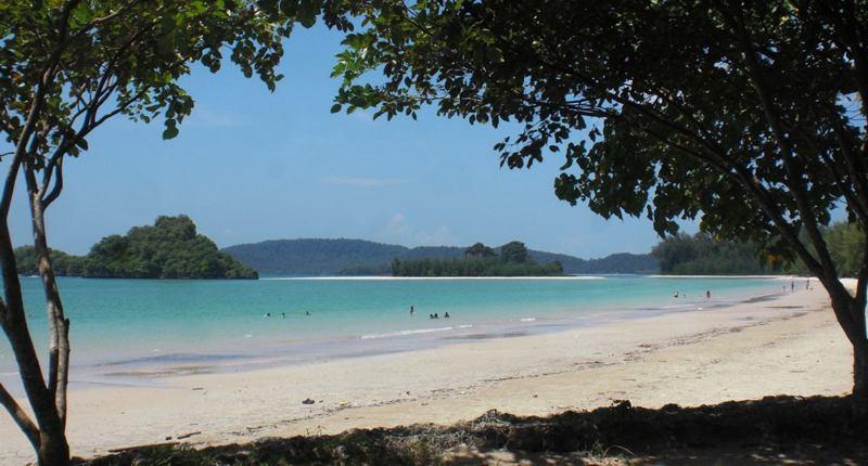 Der Nopparatara Beach bei Krabi