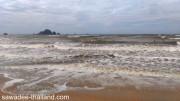 Wellen am Ao Nang Strand